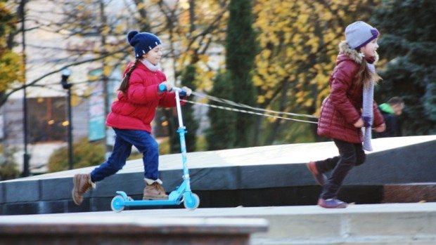 (foto) Ce fac oamenii în parcul de la Rîșcani?