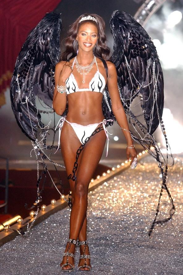 Naomi-Campbell-Victorias-Secrets-Nov2003-vogue-7nov13-Rex_b_592x888