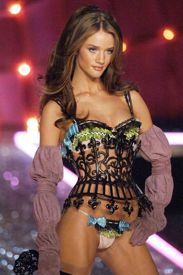 Rosie-Huntington-Whiteley-Victorias-Secret-Nov06-8Nov13-Getty_b_592x888