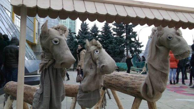 (foto) Tinerii cu dizabilități și-au expus lucrările la vânzare