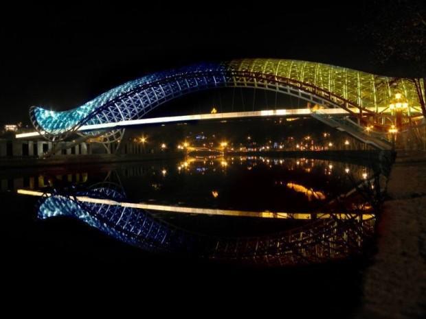 Podul Păcii, Tbilisi, Georgia PC: Facebook