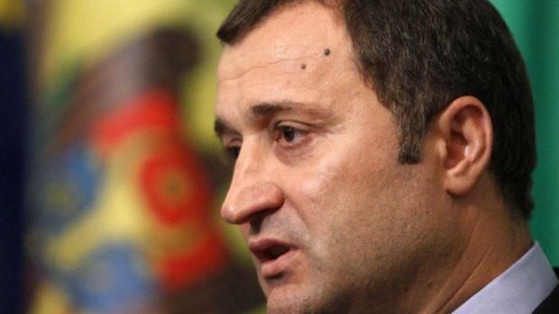 Vlad Filat a fost decorat cu Ordinul Republicii