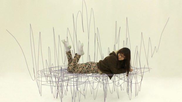 (foto) Mobilă creată din mâzgălituri