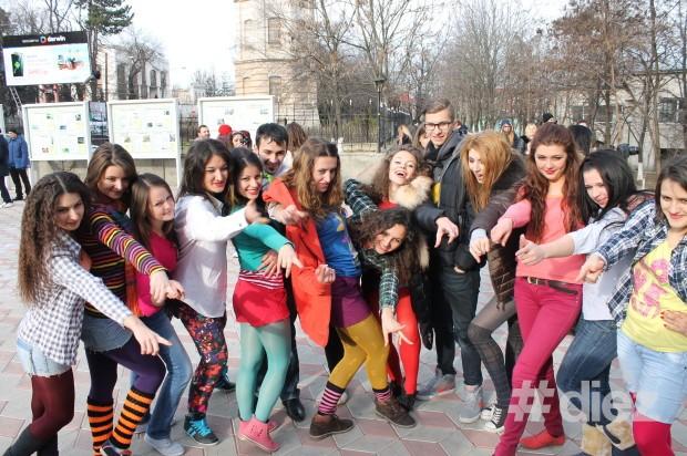 Echipa flash-mobului 11.12.13 de la USM