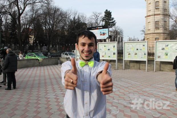 Sergiu Niculiță, student FJȘC, USM, la flash-mobul 11.12.13