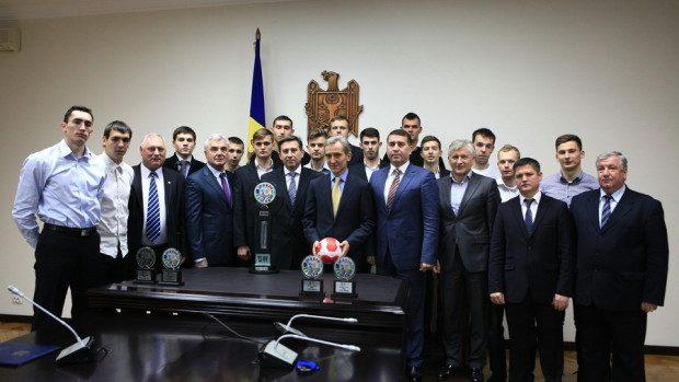 Prim-ministrul Iurie Leancă a felicitat naţionala de handbal masculin