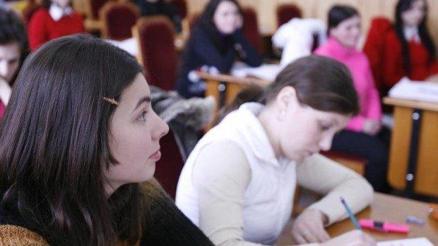 75 de studenți vor beneficia de mobilitate academică dintre Moldova și România