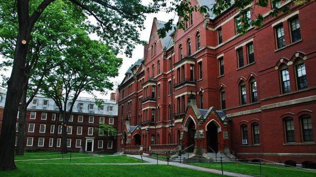 Student la Harvard, acuzat de alertă de bombă falsă