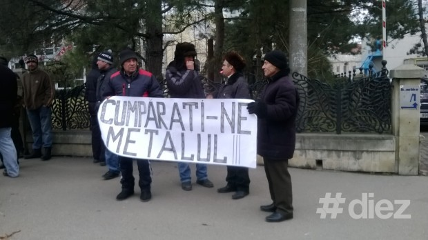 "(foto,video) Protest ""Heavy Metal"" în fața Palatului Republicii"