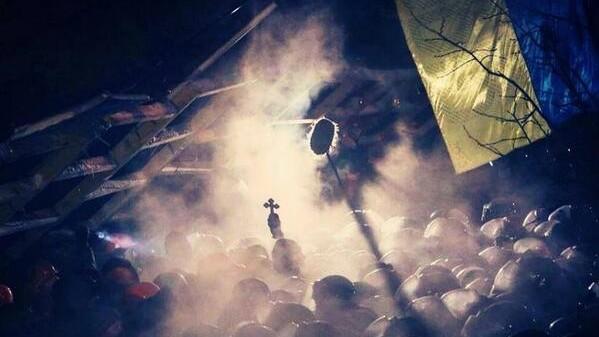 (foto) Cronica asaltului din 11 decembrie asupra la #euromaidan