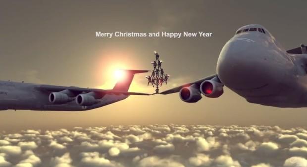 (video) Chuck Norris vă dorește Crăciun Fericit în stilul lui Van Damme