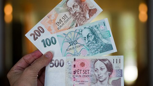 Cehia refuză momentan adoptarea monedei unice europeane
