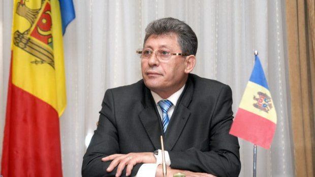 """Experții consideră că: """"PL se comportă straniu şi poate duce ţara la alegeri anticipate"""""""