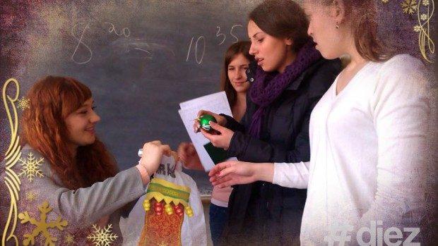 Ce daruri pot face lectorii studenților în ajun de Crăciun?