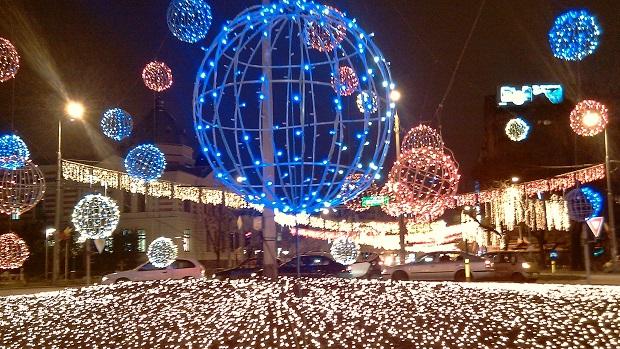 (foto) 3 milioane de beculeţe de Crăciun pe un traseu de 32 km în Bucureşti