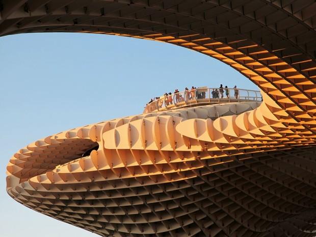 Metropol Parasol, Sevilia, este cea mai mare structură de lemn din lume PC: travel.nationalgeographic.com