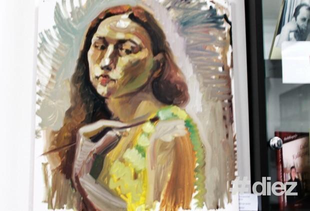 Autoportret realizat în oglindă.