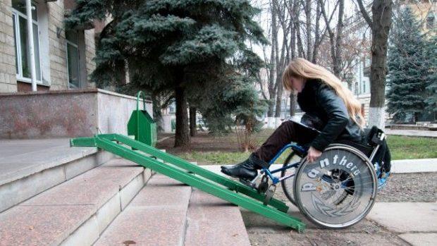 Circa 70 la sută din instituțiile publice din țară nu dispun de rampe de acces