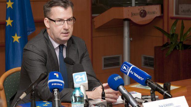 """Dirk Schuebel: """"Moldovenii vor călători fără vize în ţările Europei până la începutul verii"""""""