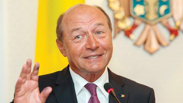 """Băsescu reacţionează la anunţul lui Dodon privind retragerea cetăţeniei: """"Își va atrage dispute cu unioniștii"""""""