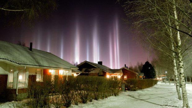 (foto) Fenomen interesant din Europa: pilonii plutitori de lumină