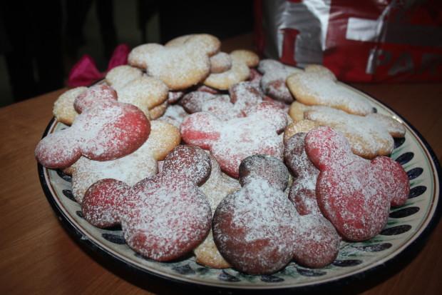 Biscuiți pregătiți de studenți PC: Petru Strungaru