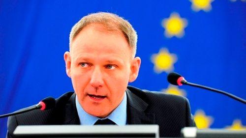 Grupul majoritar din Parlamentul European susține abolirea regimului de vize
