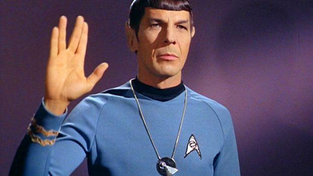 Spock din Star Trek își îndeamnă fanii să renunțe la fumat
