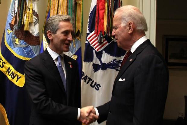 O strângere de mâini între Iurie Leancă și Joe Biden. PC: Guvernul Republicii Moldova/Facebook