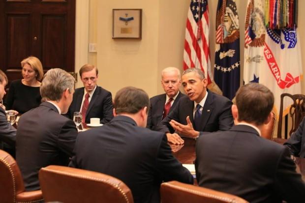 Barack Obama discutând cu Prim-ministrul Iurie Leancă. PC: Guvernul Republicii Moldova/Facebook