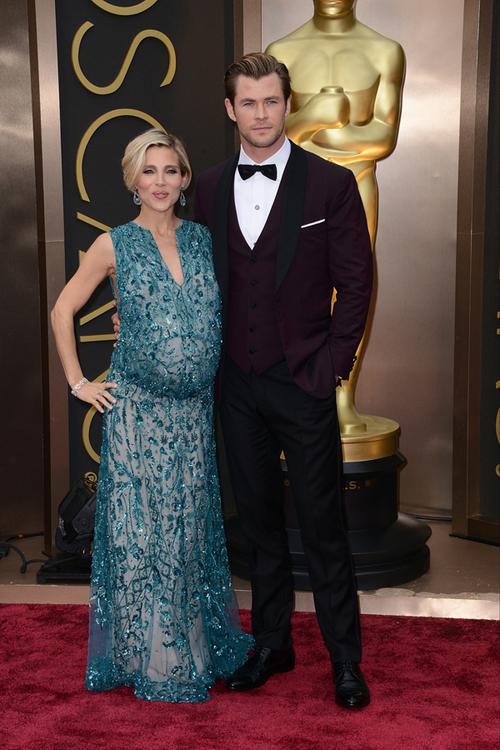 Chris Hemsworth a fost unul dintre cei mai eleganţi bărbaţi de pe covorul roşu. Acesta a fost însoţit de soţia lui, Elsa Pataky, care a optat pentru o rochie Ellie Saab Couture.