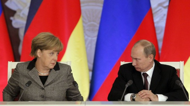 Angela Merkel i-a cerut lui Vladimir Putin să nu destabilizeze Republica Moldova
