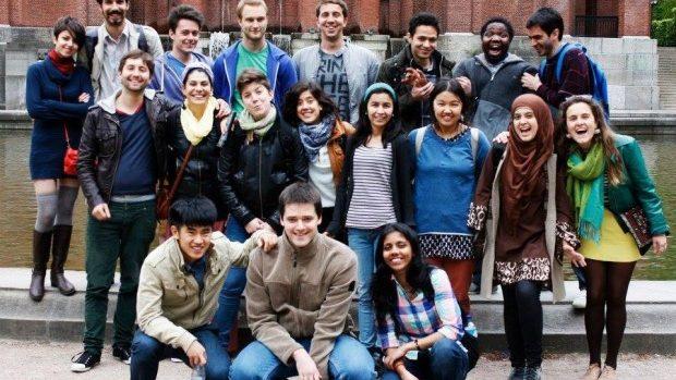 Elena Cristea povestește cum ați putea beneficia de experiența Erasmus Mundus