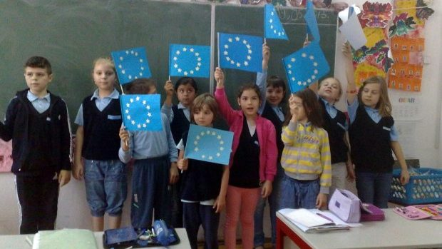 """Săptămână tematică în toate școlile și liceele din țară """"Să descoperim Europa!"""""""