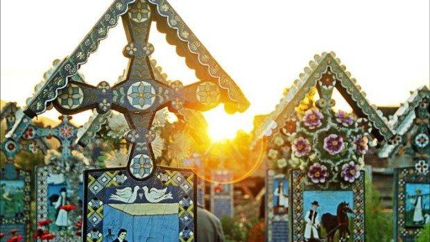 (foto) Este cel mai vesel cimitir din lume și se află în apropiere de Moldova