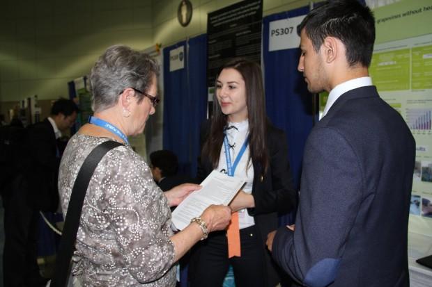 Anastasia Jeleznîi şi Dimitrie Gînju la Intel ISEF 2014. PC:  Ministerul Educației al Republicii Moldova