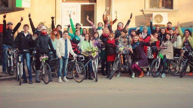 """""""Fete pe biciclete"""" îți fac cadou o bicicletă """"Made in Moldova"""""""