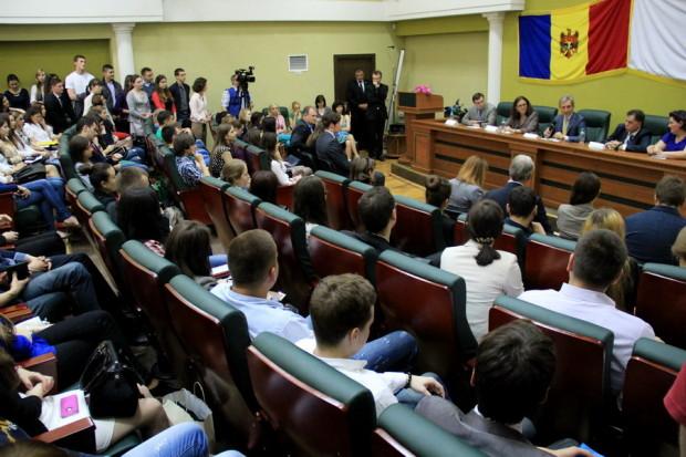 Cecilia Malmström către studenţii moldoveni: Voi sunteţi viitorul ţării şi sunt convinsă că viitorul Moldovei este în Uniunea Europeană PC: Gov.md