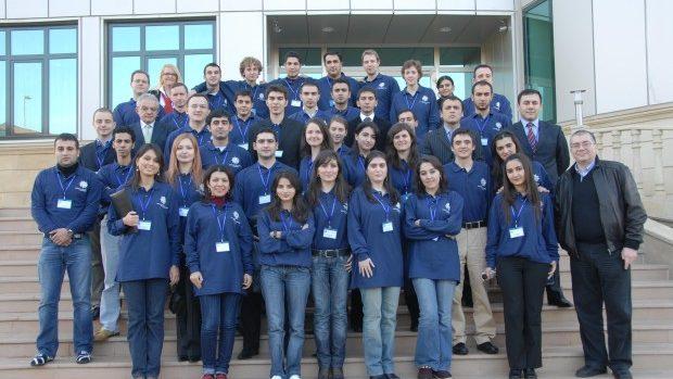 Aplică la sesiunea de vară a Școlii Internaționale NATO din Azerbaidjan