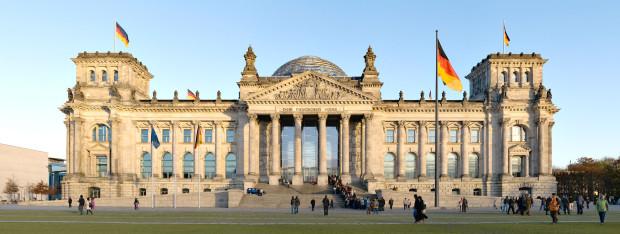 Parlamentul German oferă burse de stagii tinerilor moldoveni