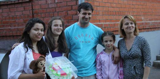 Familiile din Chișinău sunt invitate să găzduiască elevi americani în vacanța de vară