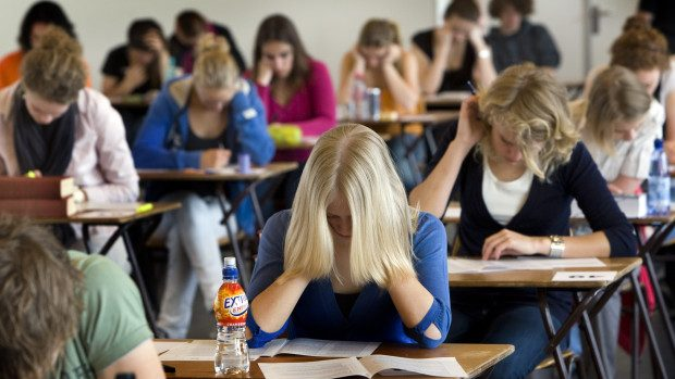 Examenele de gimnaziu continuă. Absolvenții susțin astăzi examenul la matematică