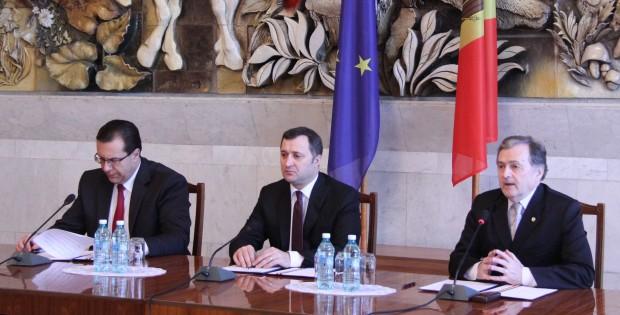 Ce cred liderii alianței de guvernare despre termenii de aderare la UE
