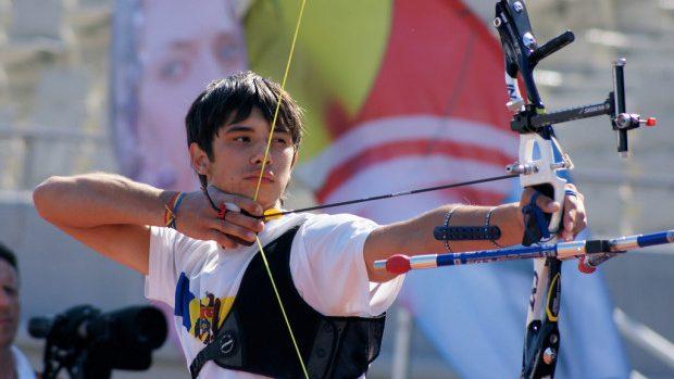 Dan Olaru luptă pentru medalia de aur la Campionatul European de tir cu arcul pentru tineret