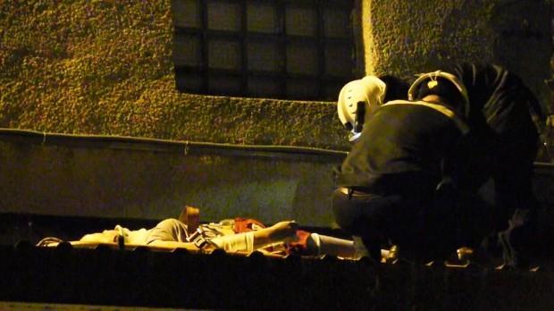 (foto, video) O adolescentă a căzut de la etajul trei al unui bloc locativ