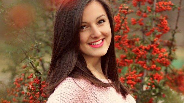 Marina Cemberji, fata cu mii de vizualizări pe YouTube pentru cover-urile unor piese celebre