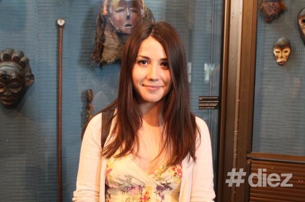 Marina Cojocaru, vizitatoarea expoziției. PC: #diez/Eugenia Tataru