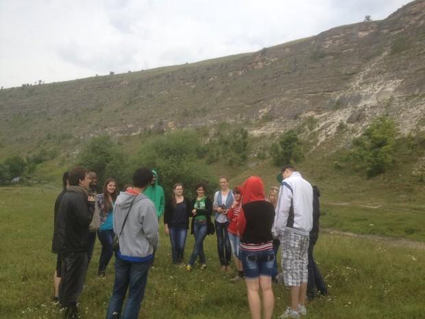 Grupul de tineri plecat în excursie prin Moldova PC: Anastasia Pociumban