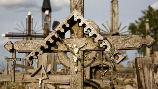 (foto) Dealul Crucilor – simbolul rezistenței antisovietice lituaniene