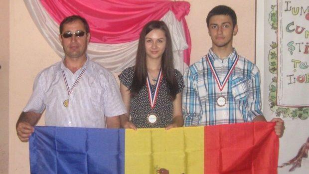 Elevii moldoveni au obținut trei medalii de bronz la concursurile internaționale